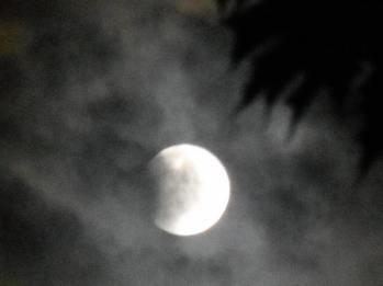 moon-in-the-clouds-8