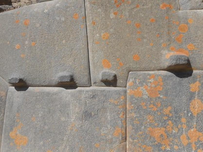 ollantaytambo-stone-work-showing-the-traditional-large-cut-stone-blocks-fit-seamlessly-together-exactly-like-at-sacsayhuaman-machu-picchu-and-other-inca-sites-10-14-14