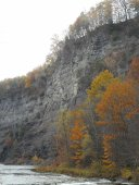 taughannock-falls-gorge-in-autumn