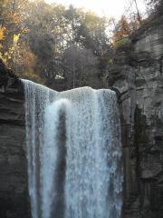 taughannock-falls-lip-3