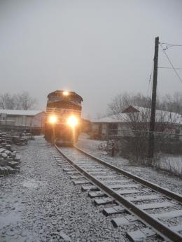 norfolk-southern-csx-coal-train-passing-through-ithaca-on-the-way-up-the-lake-it-was-a-very-long-train-over-100-cars-b