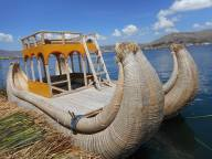 peru-puno-floating-island-boat
