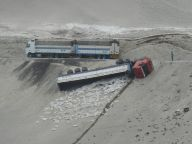 peru-truck-overturned-on-a-mountain-road