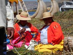 uros-floating-island-in-lake-titicaca-the-reeds-that-grow-in-the-lake-have-for-centuries-provided-a-source-shelter-livlihood-home-and-food-for-the-uros-people-for-centuries